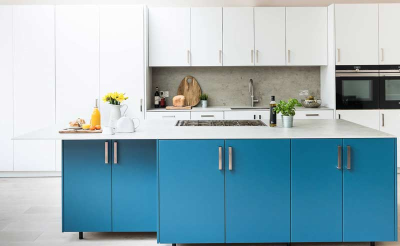 modular kitchen dealers and manufacturers in gurgaon, this is a premium modular kitchen with complete blum hardware